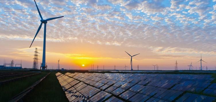 قيادة ثورة الطاقة المتجددة بالمملكة العربية السعودية