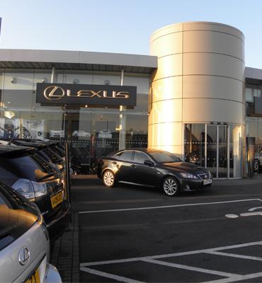 Lanzamiento de los concesionarios de Lexus y Toyota en el Reino Unido