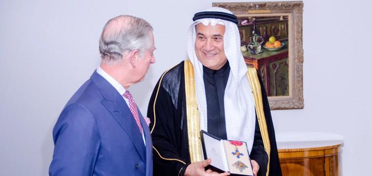 محمد عبد اللطيف جميل يحصل على لقب الفارس الشرفي من بريطانيا