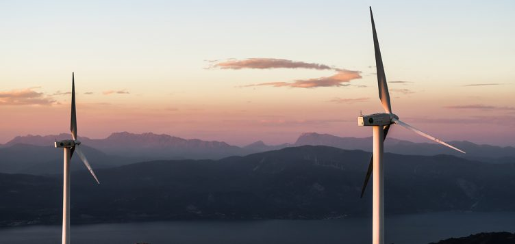 安利捷能源利用太阳能风能为智利近 25 万户家庭供电
