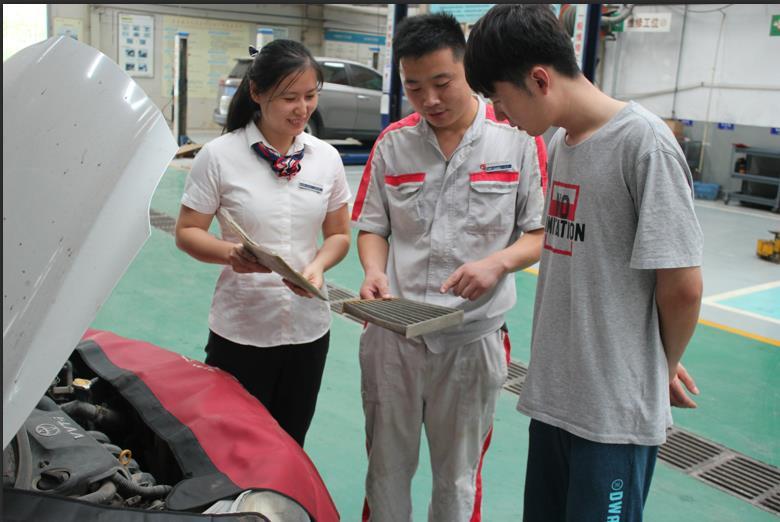 التجار الصينيون التابعون لعبد اللطيف جميل للسيارات يحققون نتائج رائعة فيما يخص خدمة العملاء