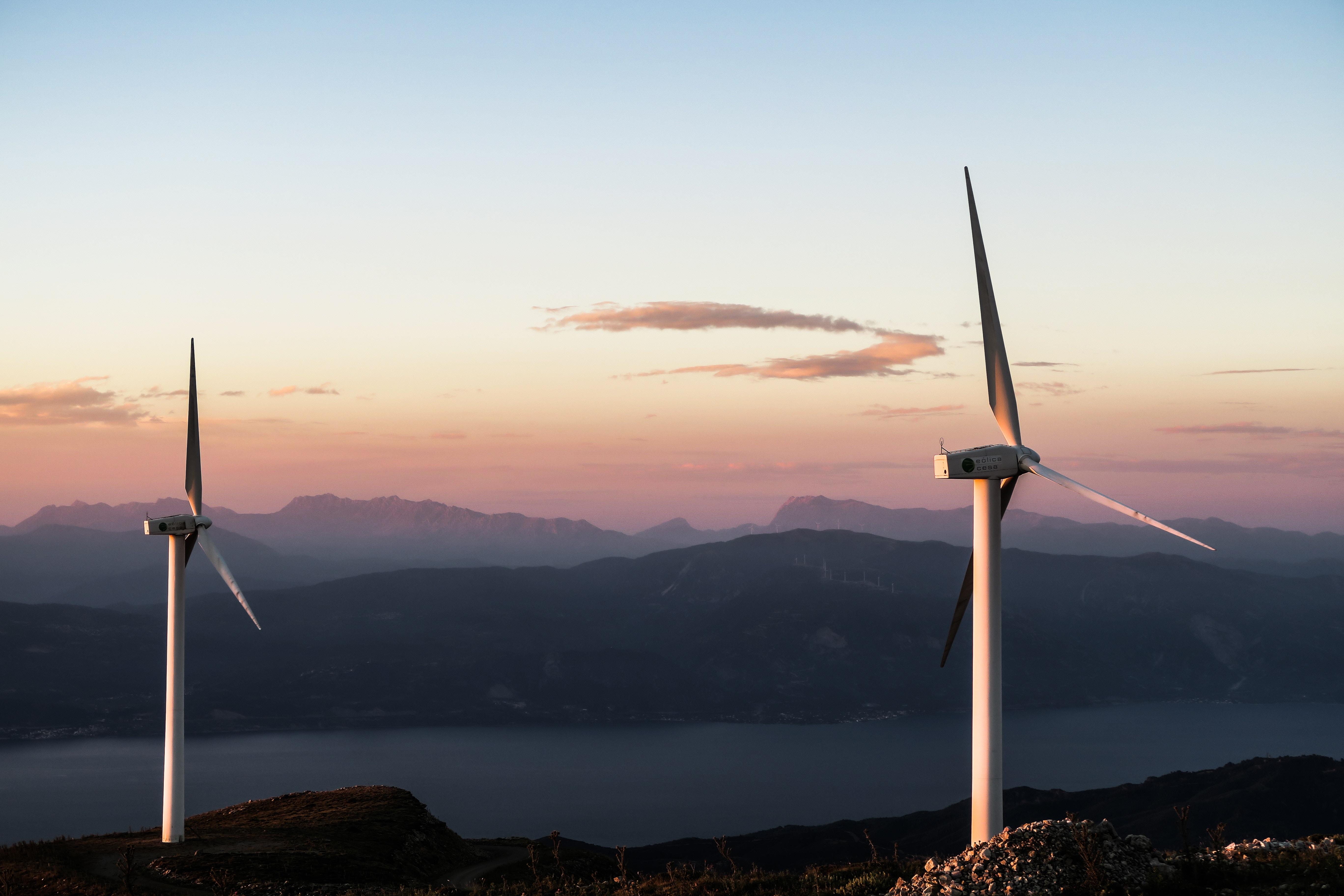 عبد اللطيف جميل للطاقة ستزود حوالي ربع مليون منزل بالطاقة الشمسية وطاقة الرياح في تشيلي