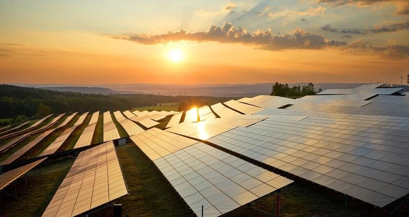 Un informe de la AIE confirma un futuro brillante para las instalaciones solares fotovoltaicas