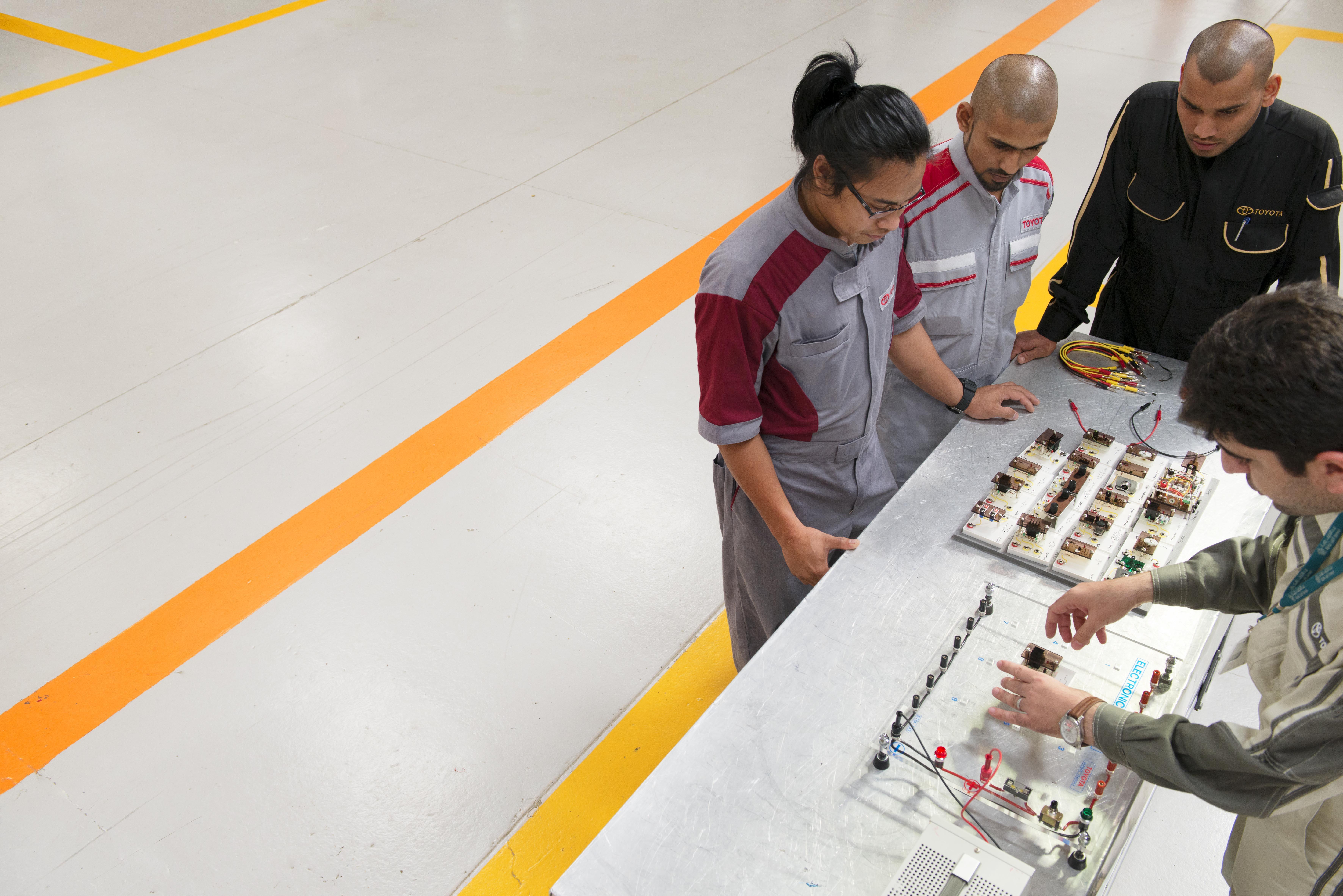 معهد عبداللطيف جميل العالي للتدريب والتعلم المستمر يحتفل بذكرى تأسيسه الأربعين